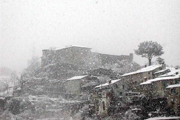 castello_del_piagnaro_neve